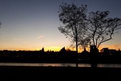 Maastricht bij avondlicht