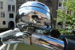 Selfie via spiegeling in fietsbel