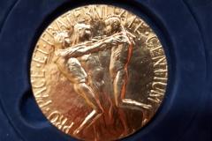 de officiele (replica van de) Nobelprijs voor de Vrede 2017
